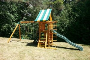 childrens playgrounds - swing sets - slides - back yard play sets - playground equipment - Jungle Gyms Canada