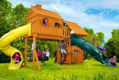 Cedar playground set - Fantasy Tree House Swing Set - Jungle Gyms Canada