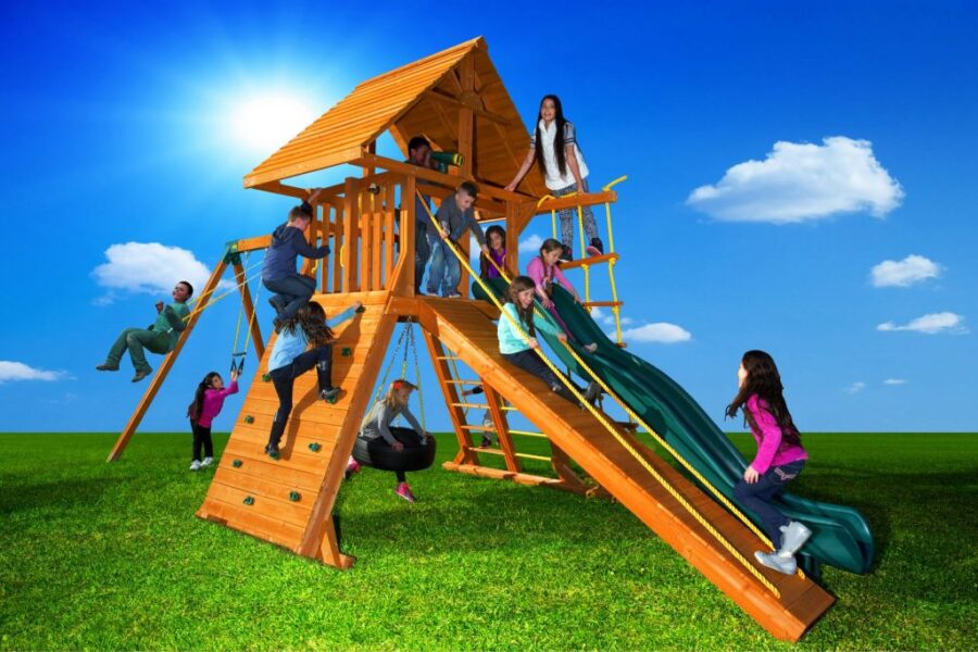 Customized Extreme Play Set with Wood Roof and Gang Plank