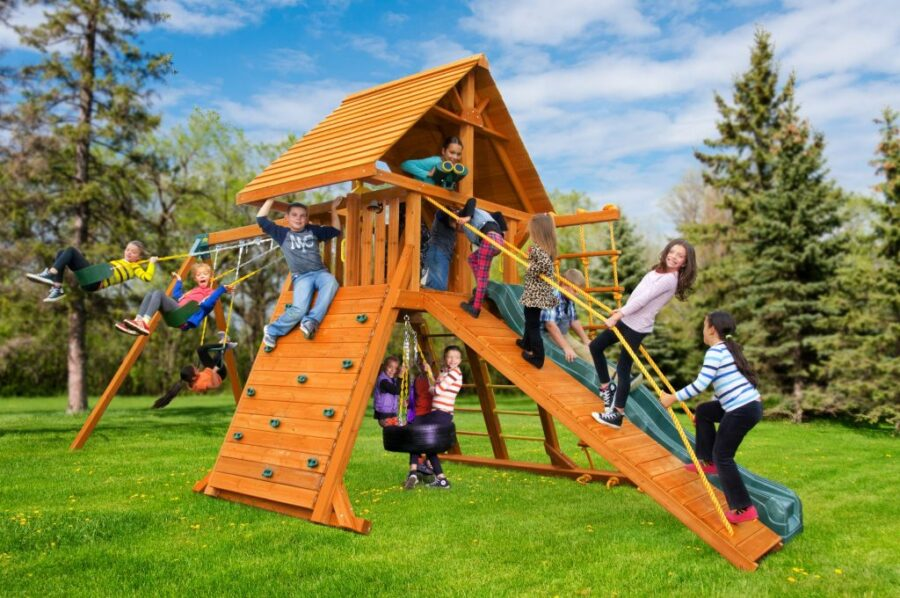 Customized Supreme Play Set with Wood Roof and Gang Plank